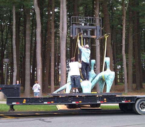 truck-sculpture
