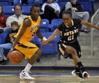 Felicia Barron sets program single-game steals record After moving from point guard to shooting guard this season, Felicia Barron set the program's single-game steals record Dec. 3 against Bryant. Barron recorded 12 of the team's 20 steals in the game. It wasn't a fluke either, as she currently leads the nation with 6.1 steals per game. She's also been scoring, averaging nearly 14 points per game in the team's five-game win streak. - GM