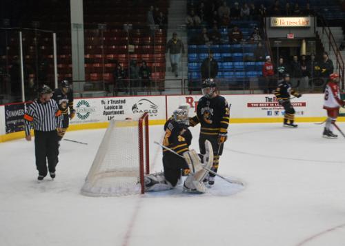 Men's Ice Hockey defeats RPI 3-1