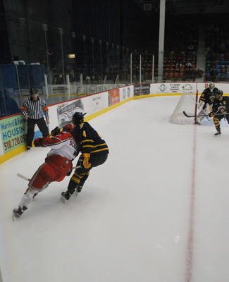 Men's Ice Hockey defeats RPI 3-1