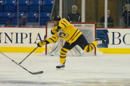 _QU-v-UNO-Hockey-12-30-12-403