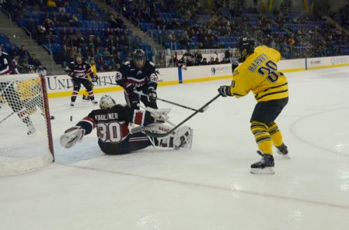 _QU-v-UNO-Hockey-12-30-12-446