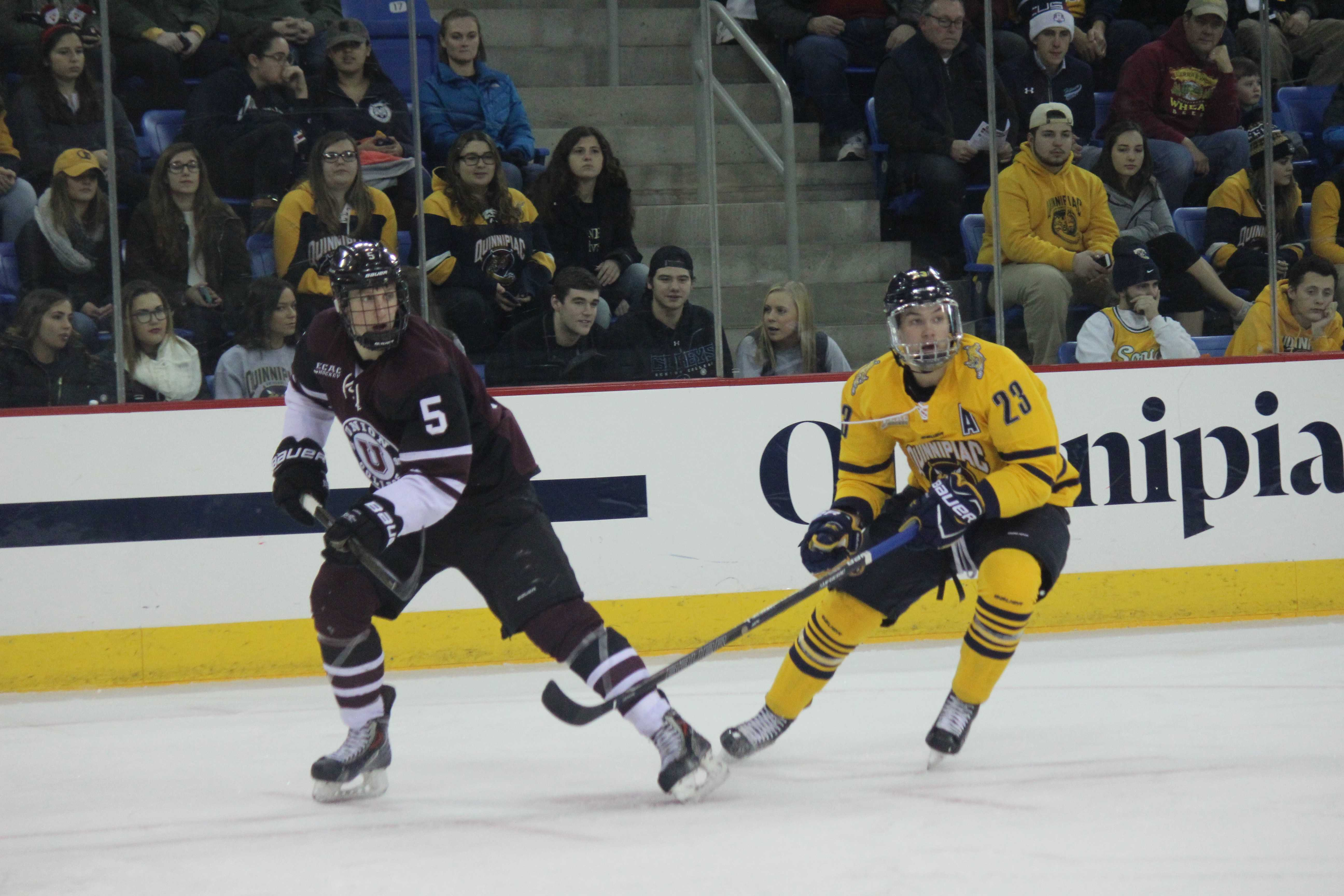 Men's ice hockey outshoots Union 54-17, but falls 5-2 ...