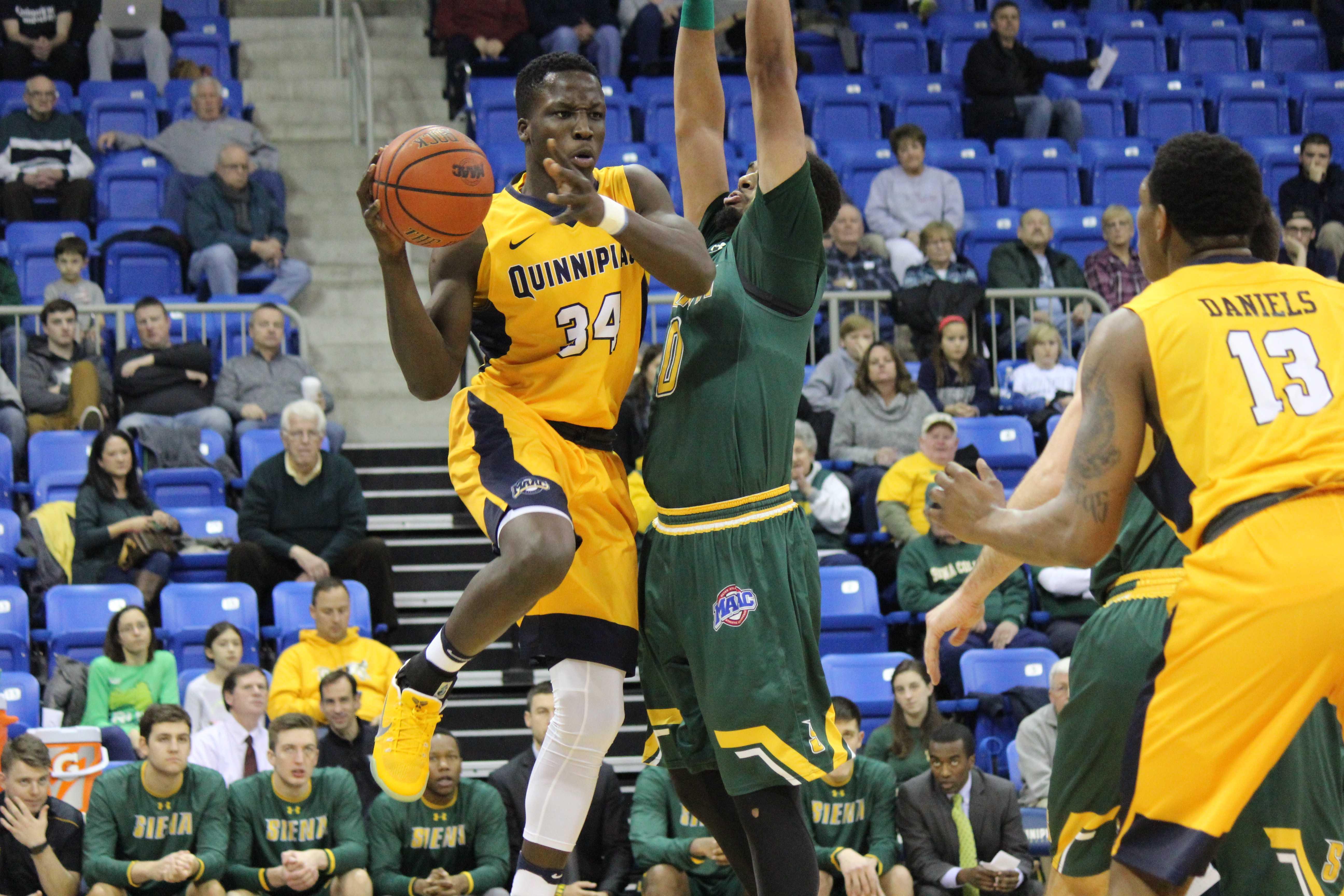 Siena dominates boards, beats men's basketball in Hamden ...